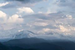 Annapurnazuiden het verbergen Stock Foto's