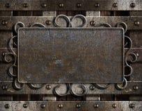 Annata di piastra metallica sul vecchio portello della quercia Immagini Stock