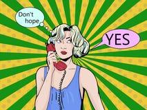 Annata di Pop art comica Ragazza che parla sul telefono Retro stile Bolla per testo Tecnologia e comunicazione illustrazione vettoriale