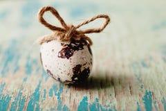 Annata felice di Pasqua e cartolina naturale di stile fotografia stock libera da diritti