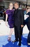 Anne Hathaway en George Lopez Stock Foto's