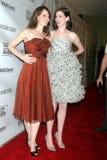 Anne Hathaway, Rosemarie DeWitt Στοκ φωτογραφία με δικαίωμα ελεύθερης χρήσης
