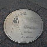 Anne Klein Plaque Royalty-vrije Stock Afbeeldingen