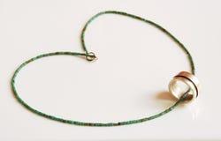 Anneau argenté avec le collier authentique de turquoise Image stock