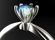 Anneau avec le diamant Fond noir de bijou de tissu d'or et d'argent Photos stock