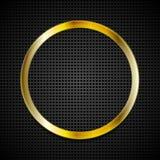 Anneau d'or lumineux sur la texture perforée Photographie stock libre de droits