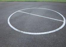 Anneau de boule de panier en parc images stock