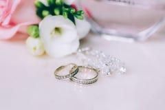 Anneau de mariage jeweled Photographie stock
