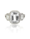 Anneau de pierre gemme de diamant de coupe de coussin Photographie stock