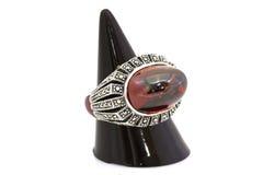 Anneau de style d'encadrement de rubis et de diamant Images libres de droits