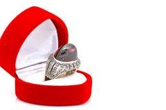 Anneau de style d'encadrement de rubis et de diamant Photographie stock libre de droits