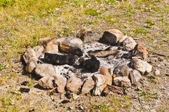 Anneau en pierre de feu de camp Photos stock