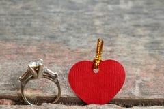 Anneau et amour Photographie stock libre de droits