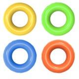 Anneaux colorés de bain d'isolement sur le blanc Image stock