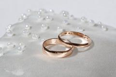 Anneaux de mariage. photo stock