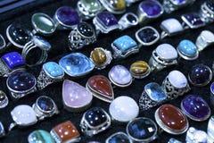 Anneaux de pierre de gemmes Photos stock