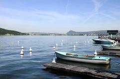 Annecy湖和城市,开胃菜,法国 图库摄影