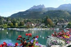 Annecy湖和Talloires村庄,开胃菜 库存图片