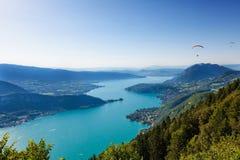 Annecy湖的看法 免版税库存照片