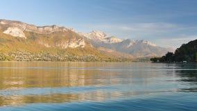 Annecy湖的风景在法国 股票录像