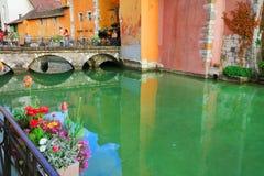 ANNECY, στις 18 Απριλίου 2017 - η αρχιτεκτονική του Annecy, κάλεσε τη Βενετία των Άλπεων Γαλλία, Ευρώπη Στοκ Εικόνες