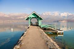 Annecy berg för sjö, fjällängar, Frankrike Fotografering för Bildbyråer