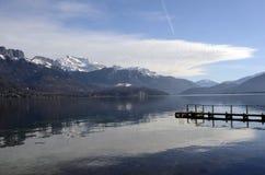Annecy jeziora krajobraz w Francja Obrazy Stock