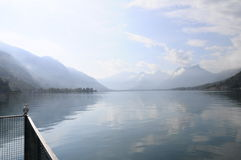 Annecy jezioro przy Talloires, Francja Obrazy Stock