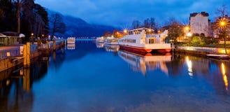 Annecy kanal, Frankrike Royaltyfria Bilder