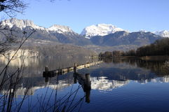 Annecy lake and mountains Royalty Free Stock Images