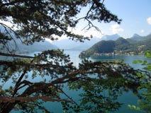 Annecy meer en bergen Stock Foto's