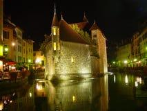 Annecy por noche Foto de archivo libre de regalías