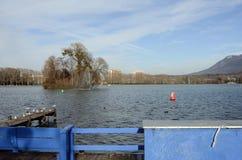 Annecy Seelandschaft in Frankreich Lizenzfreie Stockbilder