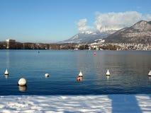 Annecy stad i vinter arkivbild