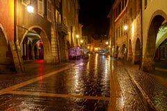 Annecy Vecchia città alla notte Immagini Stock