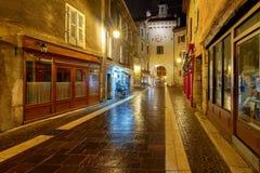 Annecy Vecchia città alla notte Fotografie Stock Libere da Diritti
