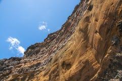Annerisca la spiaggia vulcanica della sabbia sopra la strada Tenerife della montagna dell'isola delle nubi Fotografia Stock Libera da Diritti