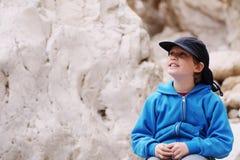 8 anni del bambino all'aperto Fotografia Stock