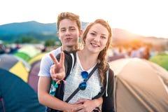 Anni dell'adolescenza al festival di estate Immagini Stock