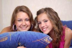 Anni dell'adolescenza sorridenti felici Fotografia Stock