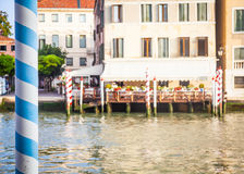 300 anni della facciata veneziana del palazzo dal canale grande Immagini Stock
