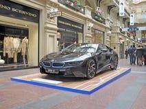 100 anni di BMW Il grande magazzino di dipartimento di stato mosca BMW i8 Fotografia Stock
