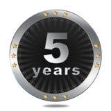 5 anni di distintivo di anniversario - colore d'argento Fotografia Stock
