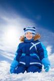 5 anni felici del ragazzo in neve Immagine Stock Libera da Diritti