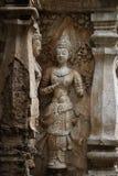 400 anni hanno rovinato la condizione e pregare antichi della statua maschio di angelo a Chiangmai, Tailandia, statua di Buddha Immagini Stock