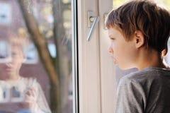 6 anni svegli del ragazzo Fotografie Stock Libere da Diritti