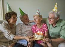 Anniversaire supérieur de gâteau de célébration de la vie Photos stock