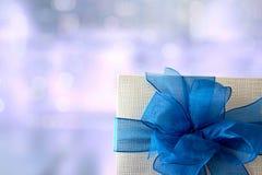 anniversario felice Chri della cartolina d'auguri di festa di Natale del contenitore di regalo Immagine Stock
