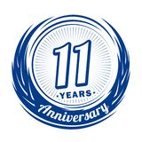 11 anno di anniversario Progettazione elegante di anniversario undicesimo logo royalty illustrazione gratis
