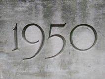 1950, anno scolpito in pietra fotografia stock